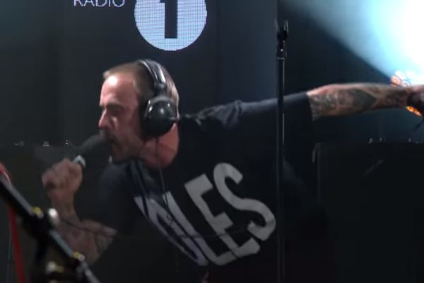 idles-bbc-lounge