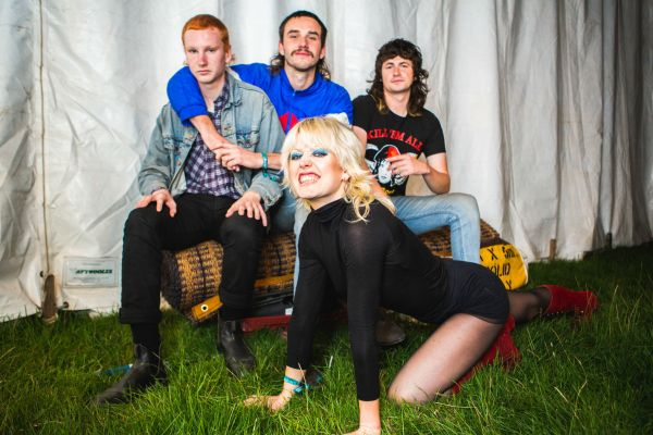 amyl-and-the-sniffers-2019